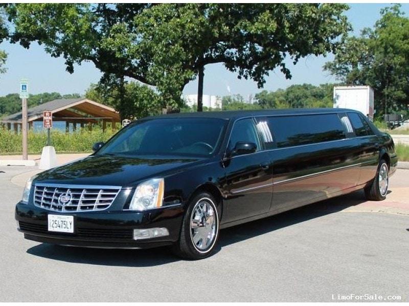 used 2006 cadillac dts sedan stretch limo lcw minooka illinois 26 995 limo for sale. Black Bedroom Furniture Sets. Home Design Ideas