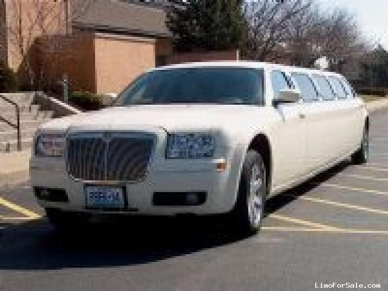 Used 2005 Chrysler 300 Sedan Stretch Limo S&R Coach - Wentzville, Missouri - $16,000