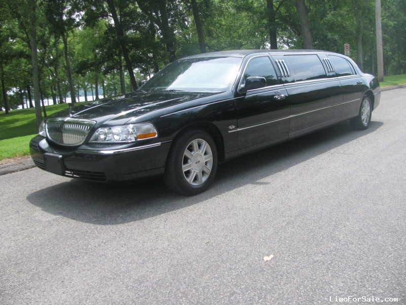 used 2008 lincoln town car sedan limo royale 23 500 limo for sale. Black Bedroom Furniture Sets. Home Design Ideas