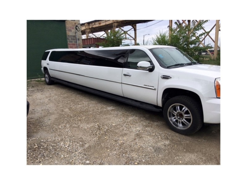 Used 2007 Cadillac Accolade SUV Stretch Limo Executive Coach Builders - Jacksonville, Florida - $26,900