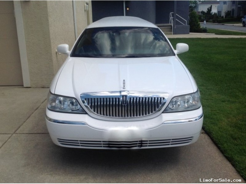 Used 2011 Lincoln Town Car Sedan Stretch Limo Executive Coach Builders, New Jersey    - $24,900