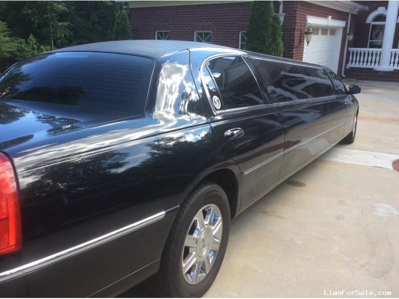 used 2009 lincoln town car sedan stretch limo executive coach builders atlanta georgia. Black Bedroom Furniture Sets. Home Design Ideas