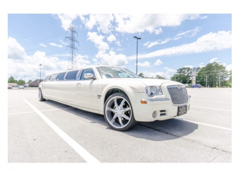 Used 2005 Chrysler 300 Sedan Stretch Limo Westwind - Jacksonville, North Carolina    - $13,000