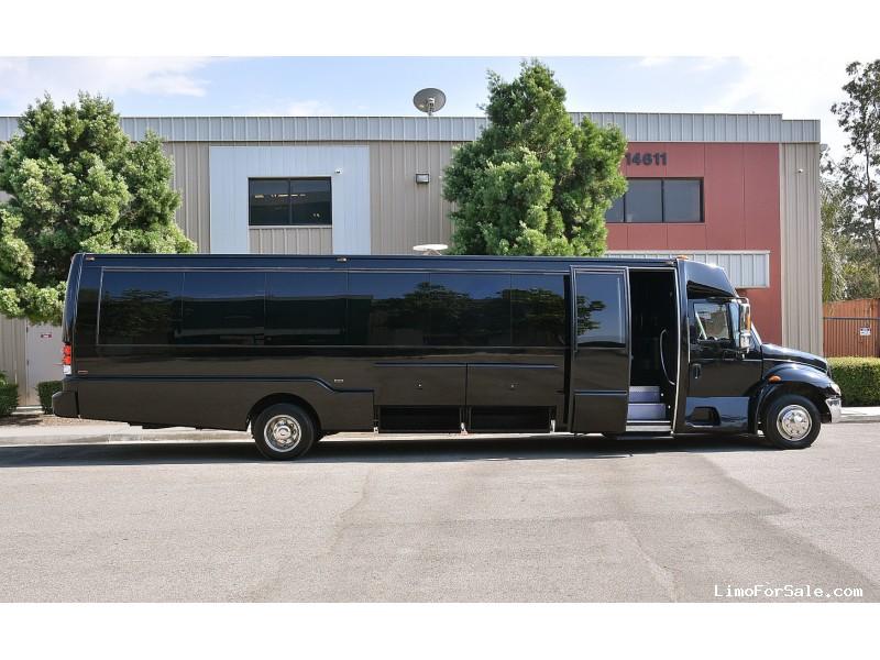 Used 2008 International 3200 Mini Bus Limo Krystal - Fontana, California - $59,995