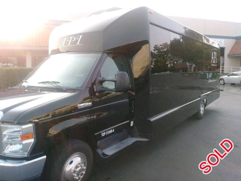 Used 2011 Ford E-450 Mini Bus Limo Tiffany Coachworks - West Sacramento, California - $29,999