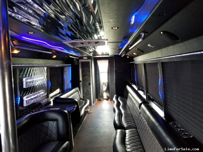Used 2009 Freightliner M2 Mini Bus Limo LGE Coachworks - cinnaminson, New Jersey    - $49,900