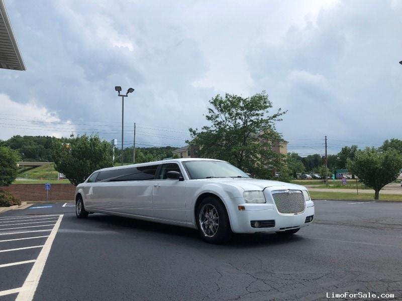 Used 2008 Chrysler Sedan Limo Ultimate Coachworks - North East, Pennsylvania - $17,900