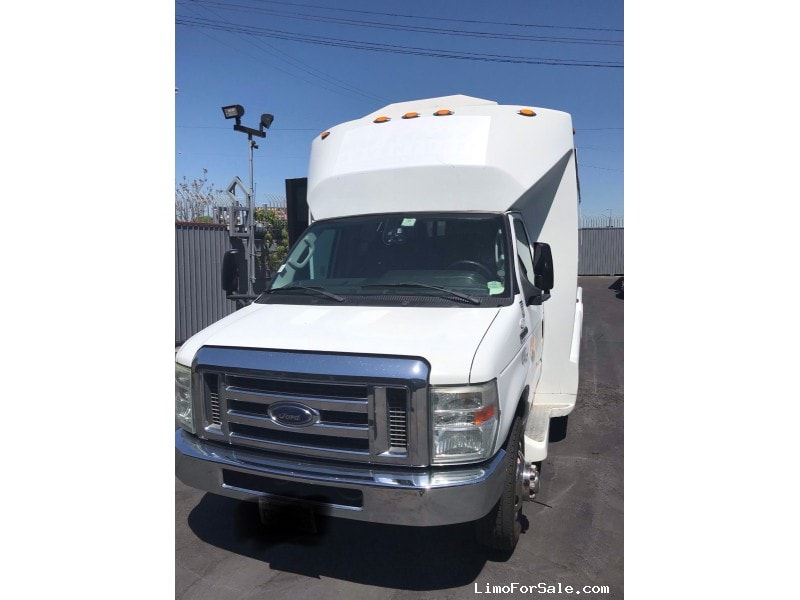 Used 2012 Ford Mini Bus Shuttle / Tour Tiffany Coachworks - Anaheim, California - $19,900
