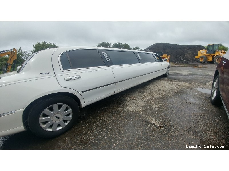 Used 2005 Lincoln Town Car Sedan Stretch Limo DaBryan - portsmouth, Rhode Island    - $6,000