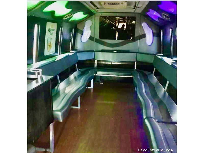 Used 2005 GMC C5500 Mini Bus Limo  - evansville, Indiana    - $20,000