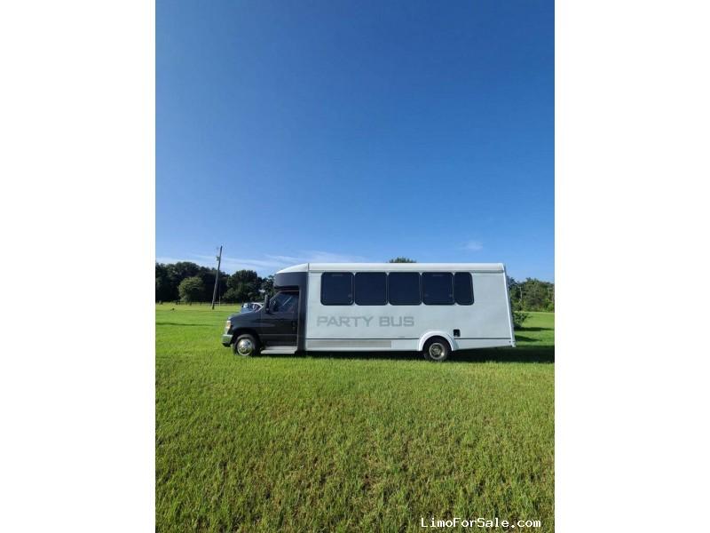 Used 2017 Ford E-450 Mini Bus Limo  - Orlando, Florida - $49,999
