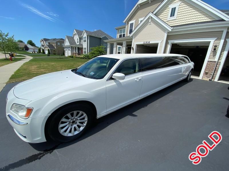 Used 2013 Chrysler 300 Sedan Stretch Limo  - Huntley, Illinois - $13,500
