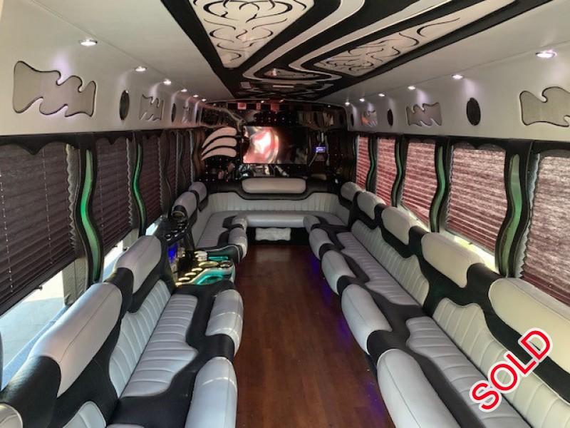 Used 2013 International 3200 Mini Bus Limo Starcraft Bus - Glen Burnie, Maryland - $42,995