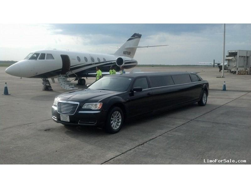 Used 2011 Chrysler 300 Sedan Stretch Limo Imperial Coachworks - myrtle beach, South Carolina    - $24,900