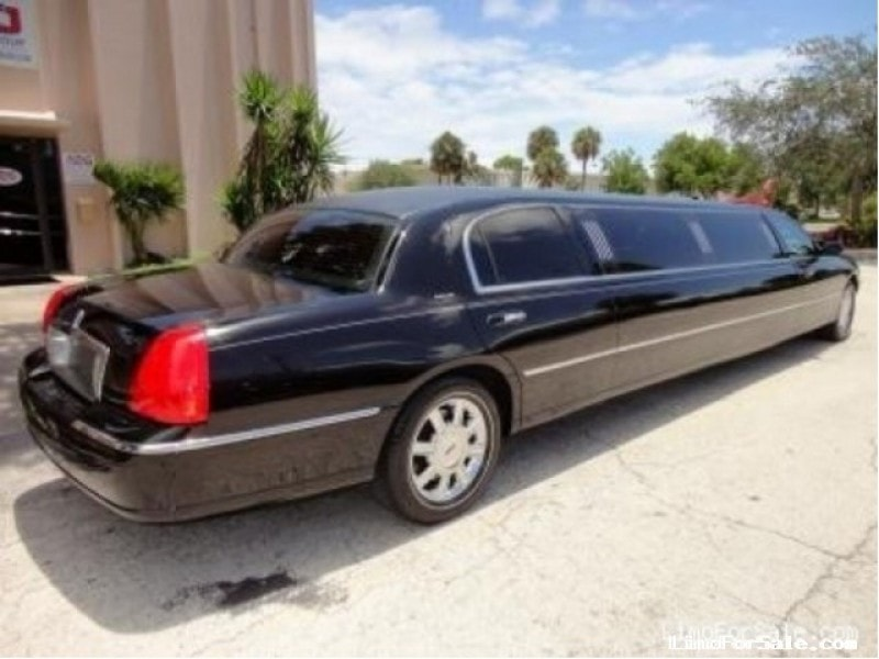 used 2008 lincoln town car sedan stretch limo delray beach florida 42 900 limo for sale. Black Bedroom Furniture Sets. Home Design Ideas