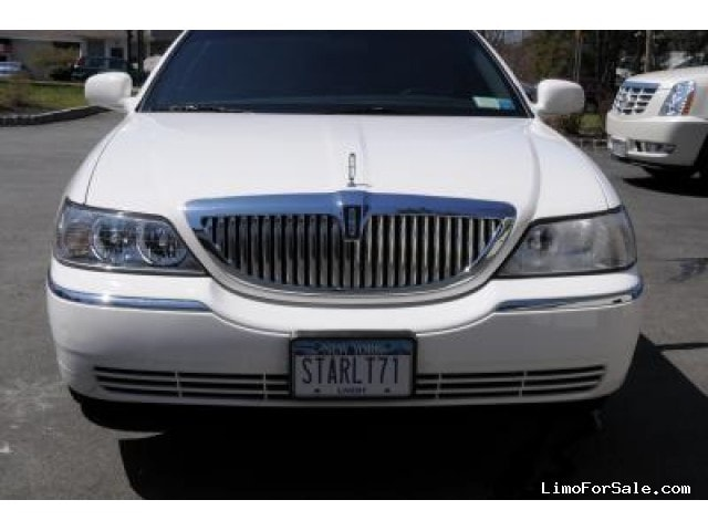 used 2003 lincoln town car sedan stretch limo blauvelt. Black Bedroom Furniture Sets. Home Design Ideas