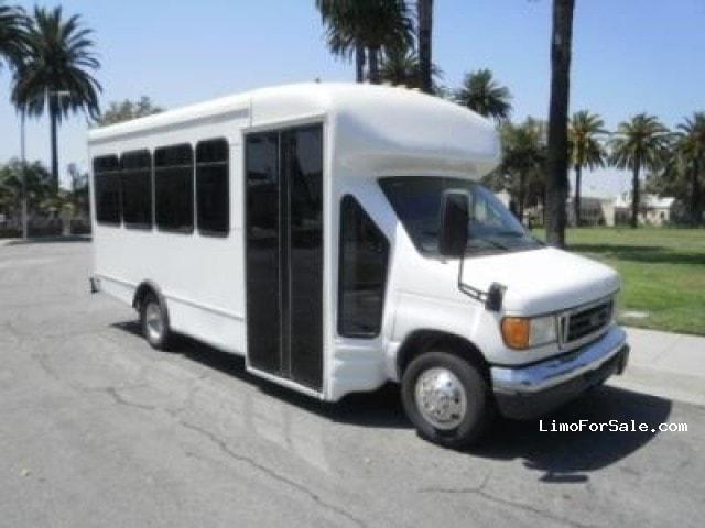 Used 2005 Ford E-450 Mini Bus Limo  - Los Angeles, California - $38,995