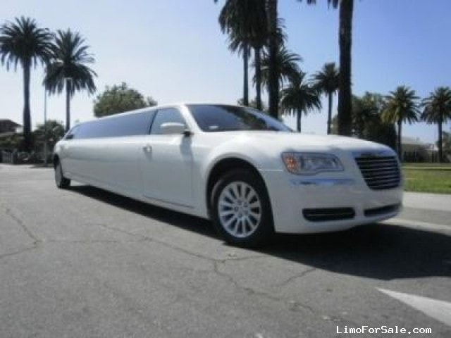 New 2014 Chrysler 300 Sedan Stretch Limo  - Los Angeles, California - $72,995