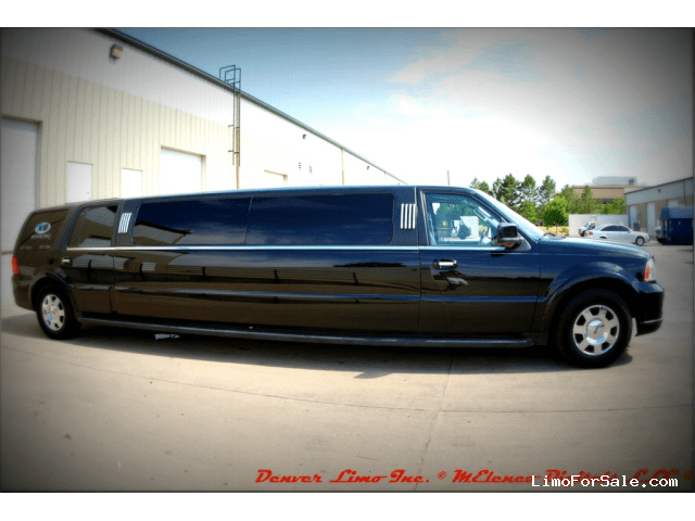 Black Lincoln Town Car Stretch Limo - Black Lincoln Town ...
