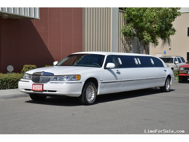 used 2000 lincoln town car sedan stretch limo krystal fontana california 12 900 limo for. Black Bedroom Furniture Sets. Home Design Ideas