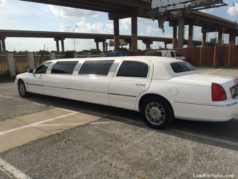 used 2004 lincoln town car sedan stretch limo tiffany coachworks 11 250 limo for sale. Black Bedroom Furniture Sets. Home Design Ideas