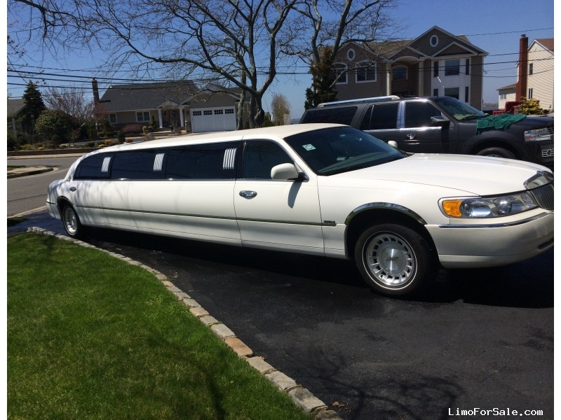 used 1999 lincoln town car sedan stretch limo royale. Black Bedroom Furniture Sets. Home Design Ideas