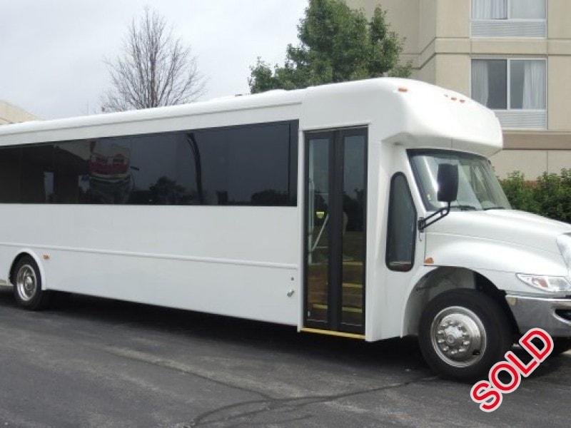 New 2016 IC Bus HC Series Mini Bus Shuttle / Tour Starcraft Bus - Kankakee, Illinois - $142,975