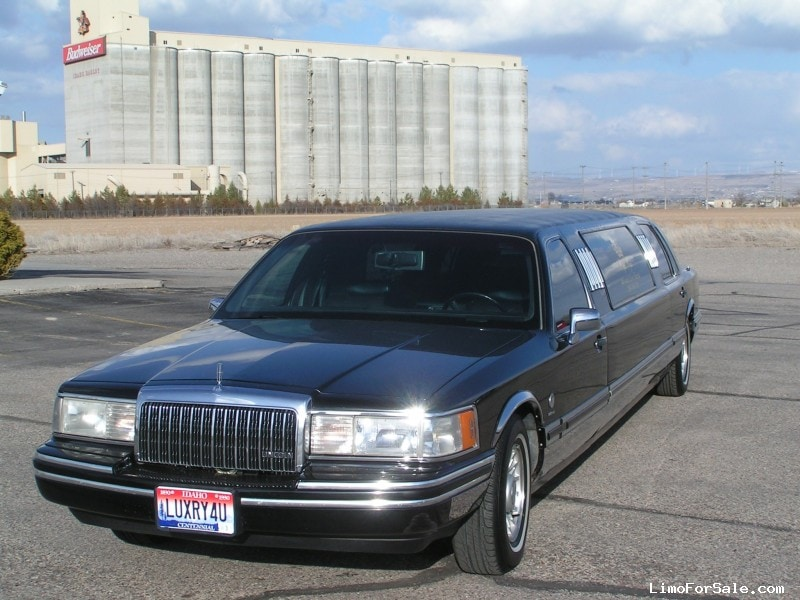 Used 1994 Lincoln Town Car Sedan Stretch Limo Signature Limousine