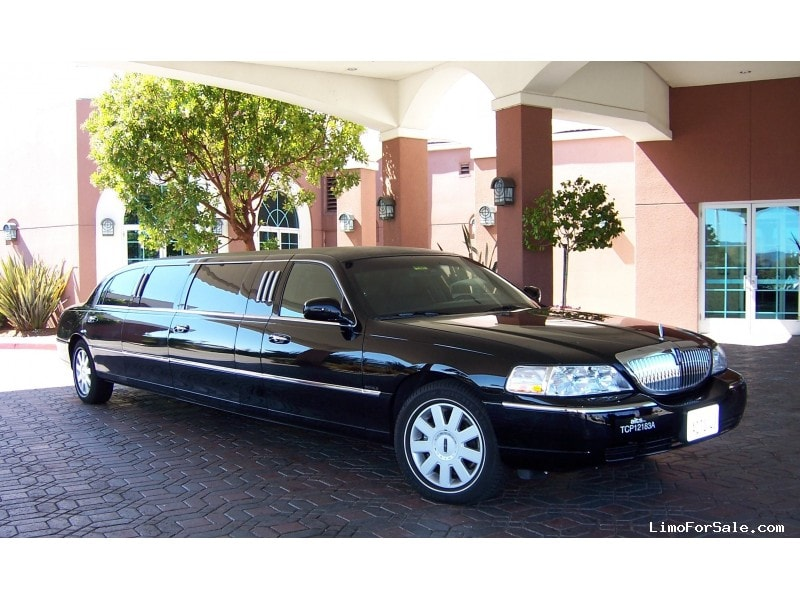Used 2001 Lincoln Town Car Sedan Stretch Limo Krystal - Monterey, California - $7,000