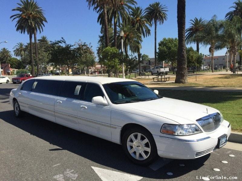 Used 2006 Lincoln Town Car Sedan Stretch Limo Krystal - Los angeles, California - $19,995
