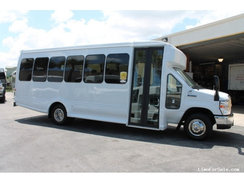 New 2016 Ford E-450 Mini Bus Limo Turtle Top - Pompano Beach, Florida