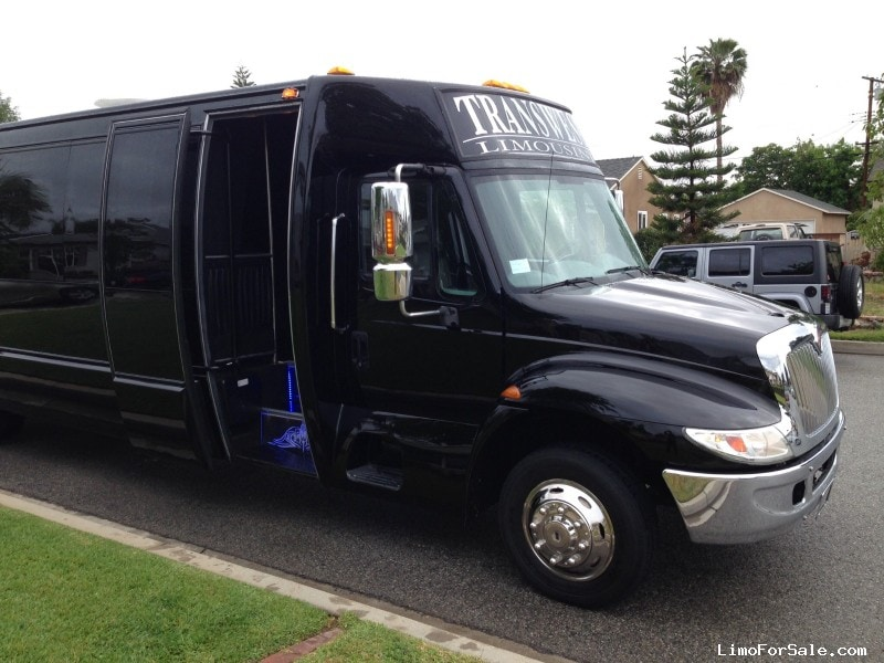 Used 2007 International TranStar Mini Bus Limo Krystal - West Covina, California - $58,000
