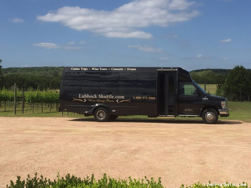 Used 2012 Ford E-450 Mini Bus Shuttle / Tour  - Lubbock, Texas - $42,000