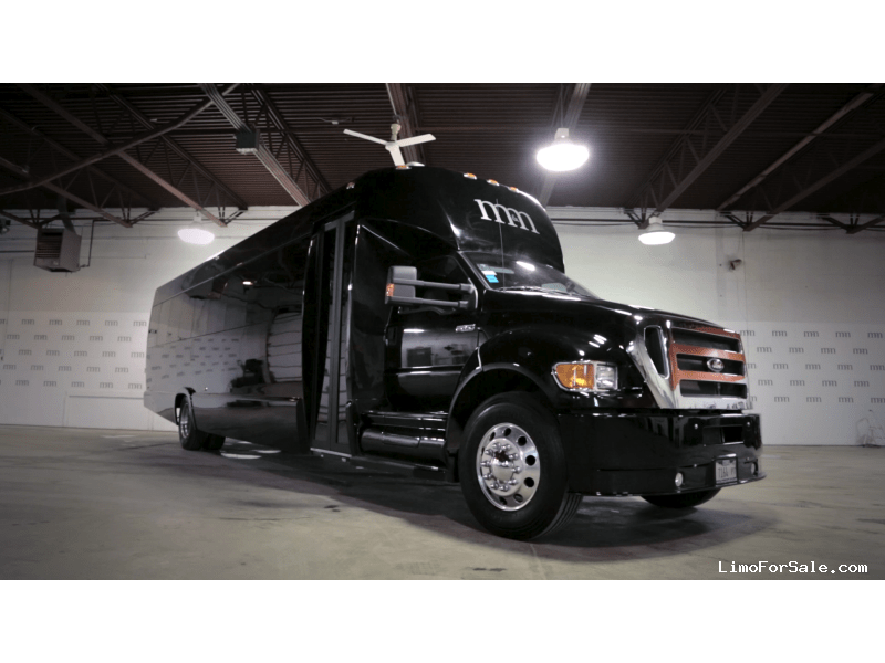 Used 2014 Ford F-650 Mini Bus Limo Tiffany Coachworks - Des Plaines, Illinois - $122,995