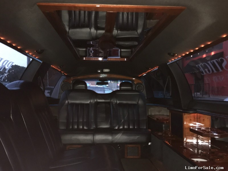 Used 2005 Lincoln Town Car Sedan Stretch Limo DaBryan - Millersville, Maryland - $10,000