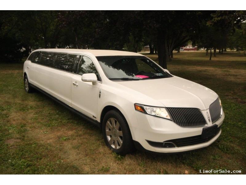Used 2016 Lincoln MKT Sedan Stretch Limo Executive Coach Builders - Winona, Minnesota - $31,500