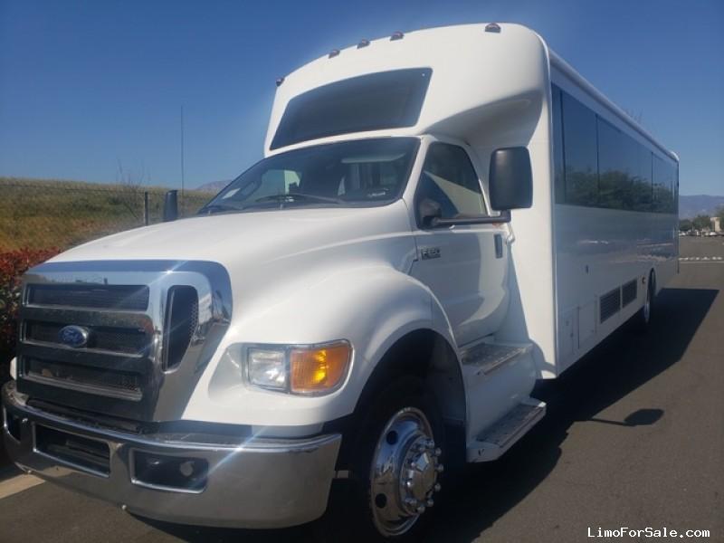 Used 2014 Ford F-650 Mini Bus Limo Tiffany Coachworks - Pasadena, California - $55,000