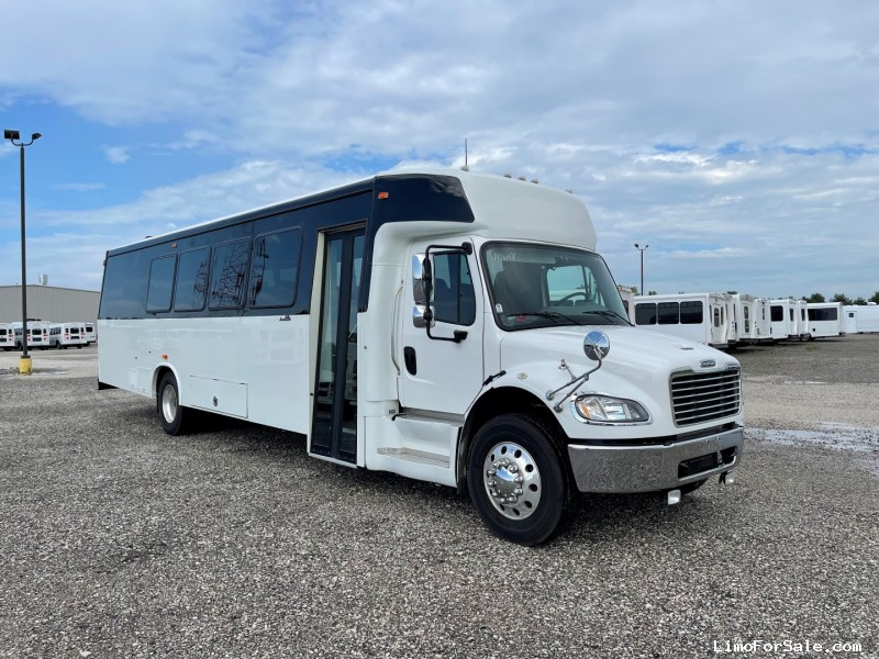 Used 2016 Freightliner M2 Mini Bus Shuttle / Tour Ameritrans - Oregon, Ohio - $96,885