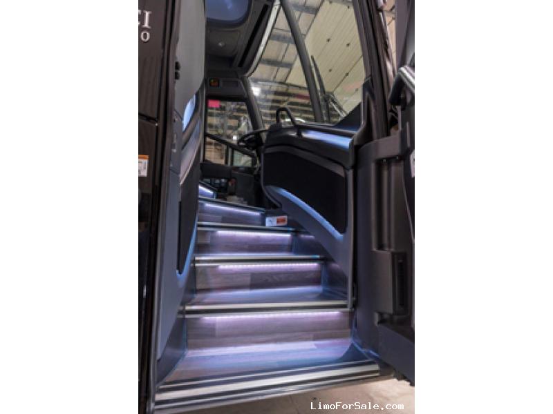 Used 2019 MCI J4500 Motorcoach Shuttle / Tour  - Atlanta, Georgia