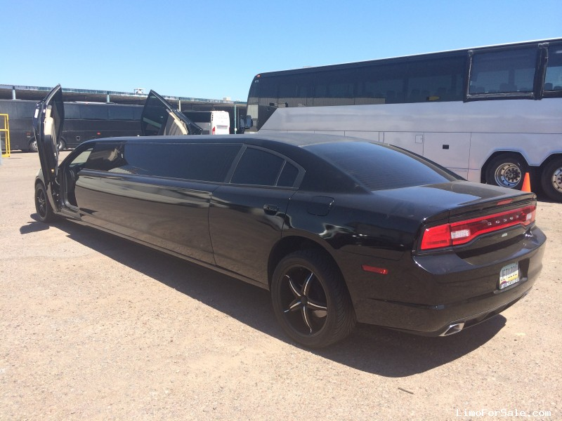 used 2012 dodge charger sedan stretch limo riverside california 52 500 limo for sale. Black Bedroom Furniture Sets. Home Design Ideas