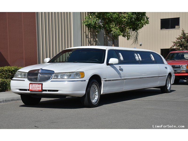 used 2000 lincoln town car sedan stretch limo krystal fontana california 10 900 limo for. Black Bedroom Furniture Sets. Home Design Ideas