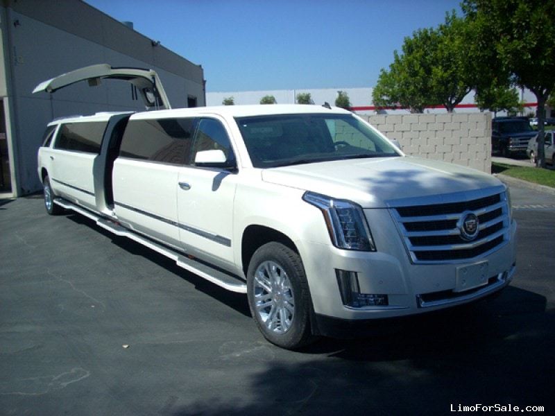 New Cadillac Escalade Suv Stretch Limo Limos By Moonlight