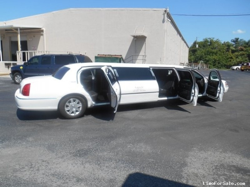 Used 2011 Lincoln Town Car Sedan Stretch Limo DaBryan - ST. PETERSBURG, Florida - $35,500