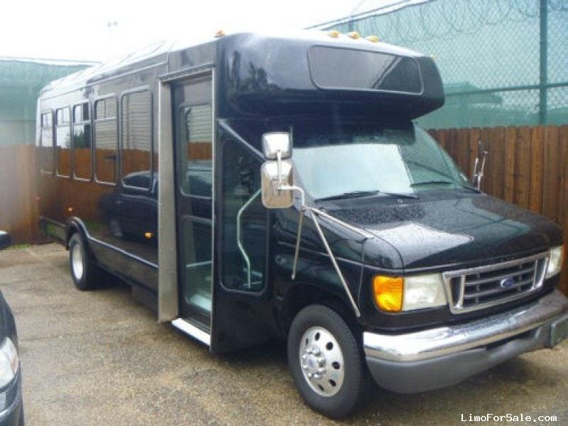 Used 2003 Ford E-450 Mini Bus Limo Westwind - Addison, Illinois - $18,000