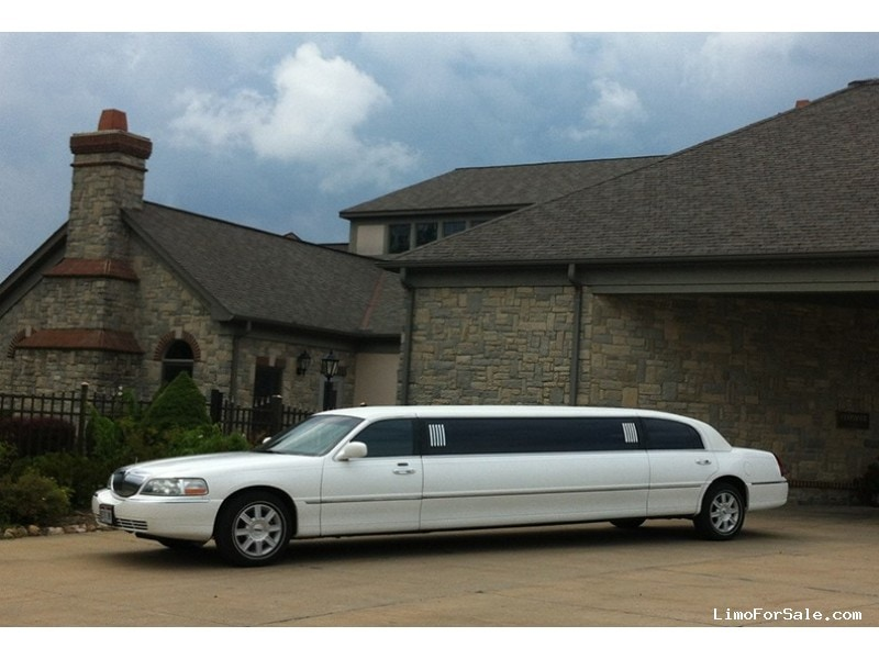 Used 2007 Lincoln Town Car Sedan Stretch Limo Krystal - Poland, Ohio - $10,995