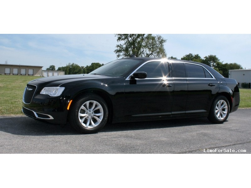 New 2016 Chrysler 300-L Sedan Limo Springfield - springfield, Missouri - $47,500