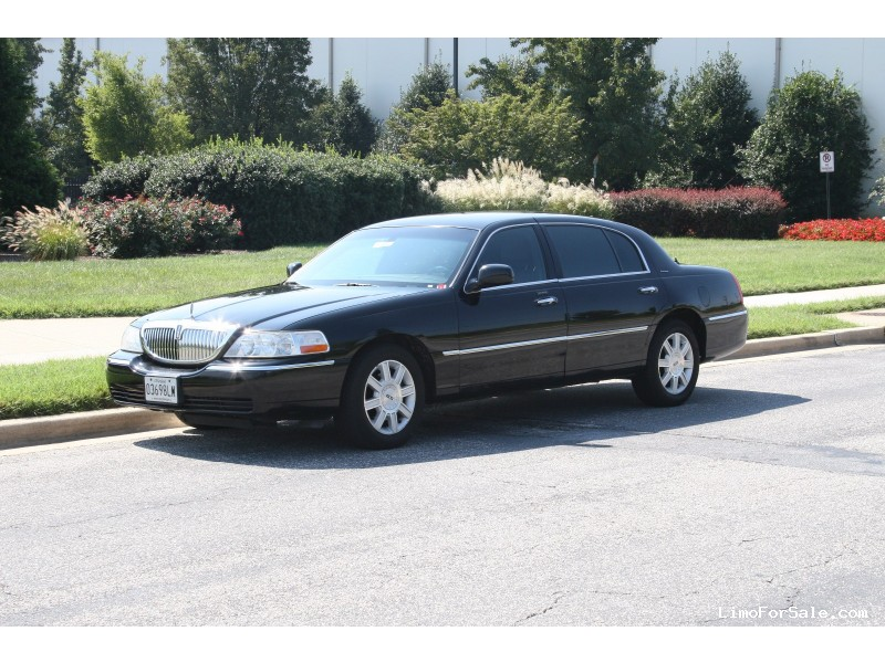 Used 2007 Lincoln Town Car L Sedan Limo  - Silver Spring, Maryland - $5,900