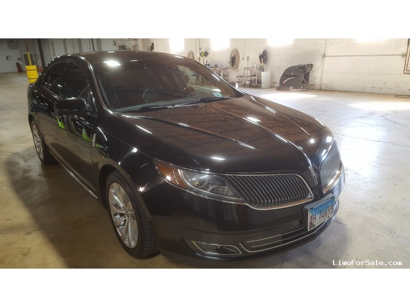 used 2014 lincoln mks sedan limo elk grove village illinois 10 800 limo for sale. Black Bedroom Furniture Sets. Home Design Ideas