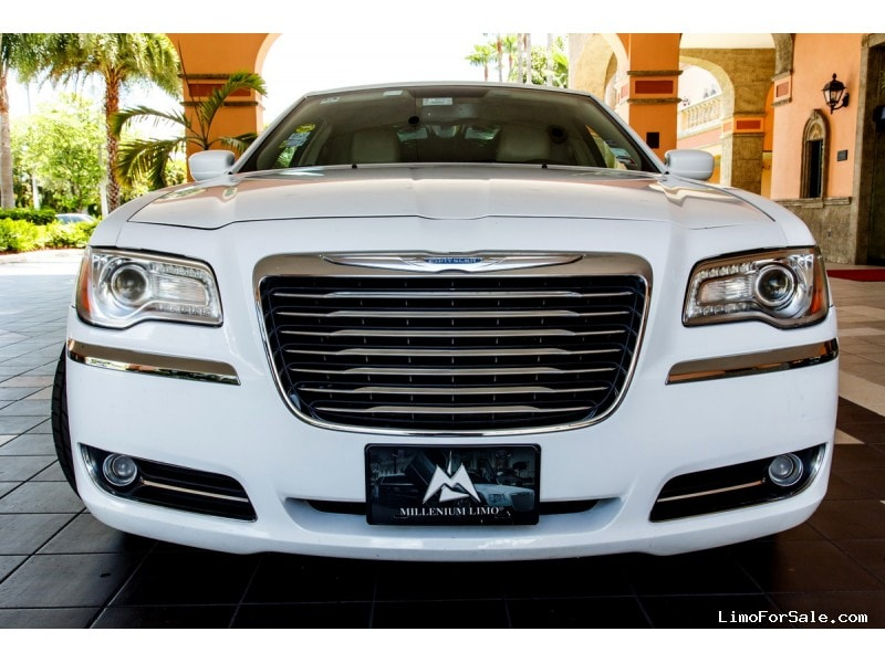 used 2016 chrysler 300 sedan stretch limo davie florida 51 500 limo for sale. Black Bedroom Furniture Sets. Home Design Ideas