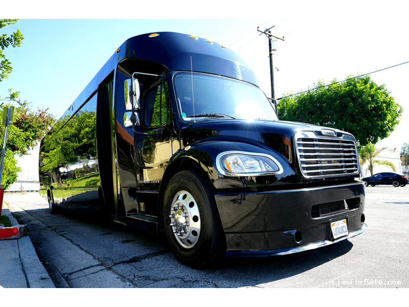 Used 2012 Freightliner Motorcoach Limo Tiffany Coachworks - Carson, California - $85,000